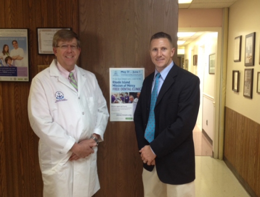 Dr. Jeffrey Dodge, a volunteer with the Rhode Island Mission of Mercy meets with Benco Dental Territory Representative in preparation for the use of Onset®, a dental innovation, at the May 31-June 1 free dental clinic to be hosted at The Community College of Rhode Island, Flanagan Campus in Lincoln, R.I.