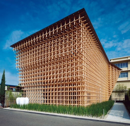 GC Prostho Research Center, designed by Kengo Kuma & Associates, houses advanced laboratory and office facilities in Kasugai, Japan. Its exhibition space served as host location for the commemoration of the company's 50th anniversary.
