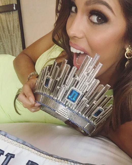 Dental student Iris Mittenaere shares her first selfie as 2017 Miss Universe on Instagram.