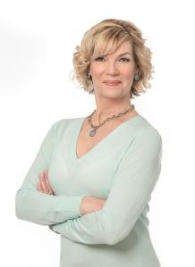 TheDailyFloss-DeWLife-magazine-Anne-Duffy-founder-dental-hygienist-entrpreneur_V2